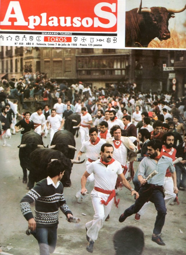 1986 - Pamplona, Spain - Joe Distler in white jacket, Miguel Ángel Eguiluz leads the herd with moustache (Photo courtesy of Aplausos magazine)